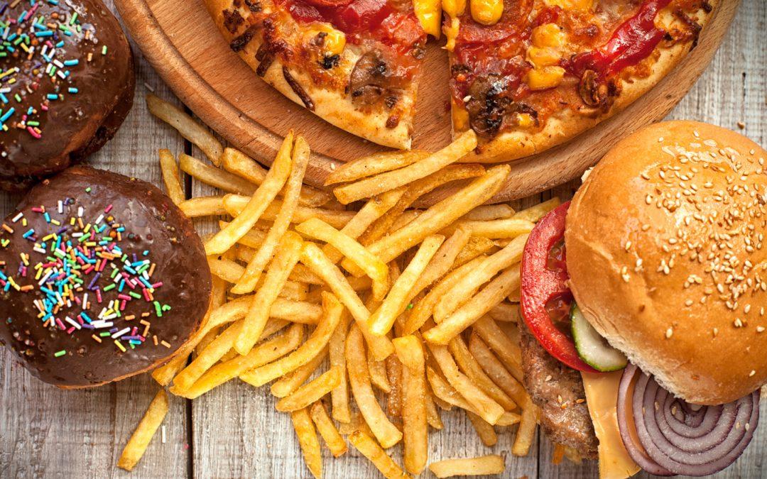 Comida chatarra afecta el rendimiento escolar